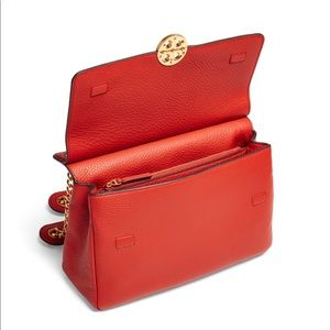 8a586430caac Tory Burch Bags - 💥 4th SALE💥Tory Burch chelsea flap shoulder bag